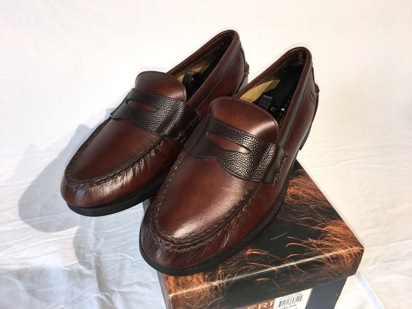 SPERRY Waterproof Penny Loafer 2-Tone Leather 8.5 Fits 9 US FREE Shipping in USA