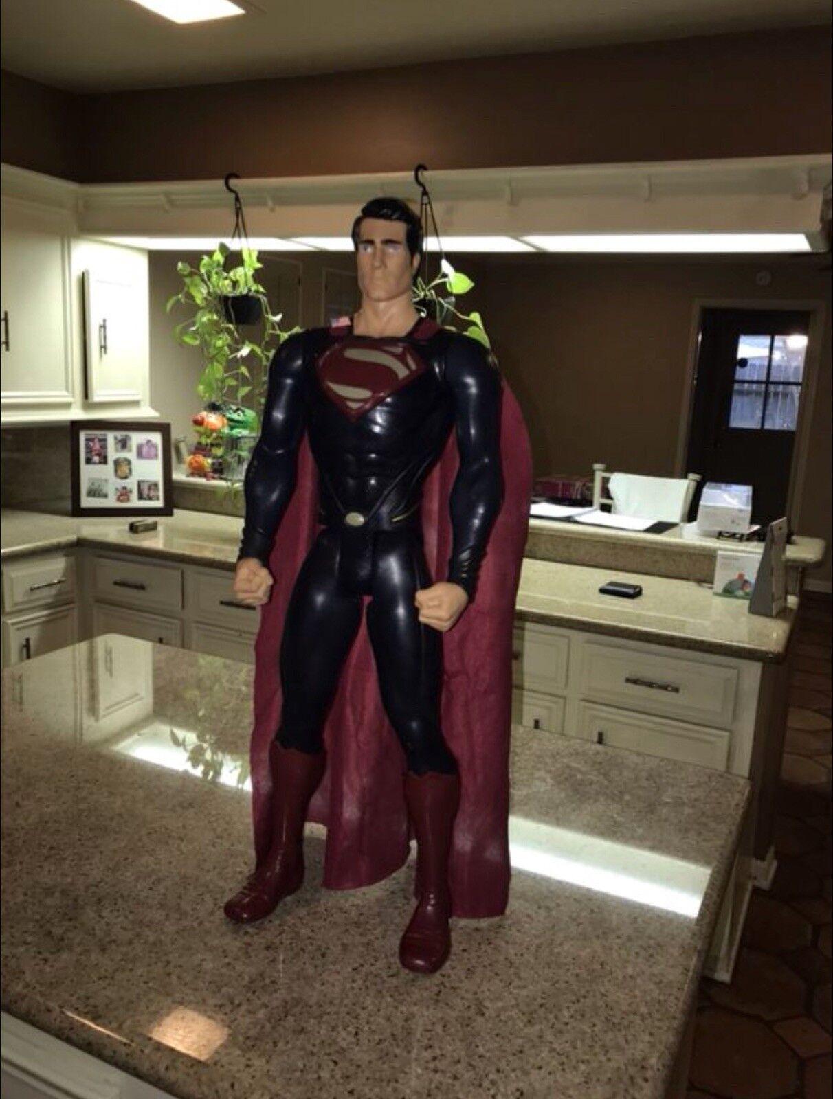 Jakks pazifik 31 zentimeter große figur superman  mann aus stahl.