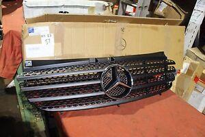 Original-Mercedes-W639-Vito-Viano-Kuehlergrill-Frontgrill-6398800185-NEU-NOS