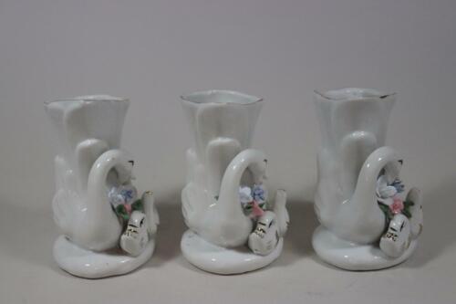 3x Figurenvase Vase Schwan mit Jungen und Blumen Porzellan handbemalt RK247