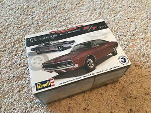 Revell-1968-Dodge-Charger-Hemi-Race-Drag-Plastic-Model-Kit-1-25-Sealed-New-2in1