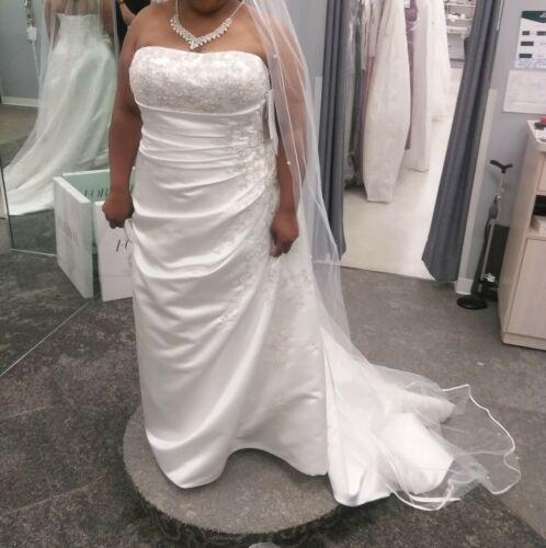 Wedding gown size 18