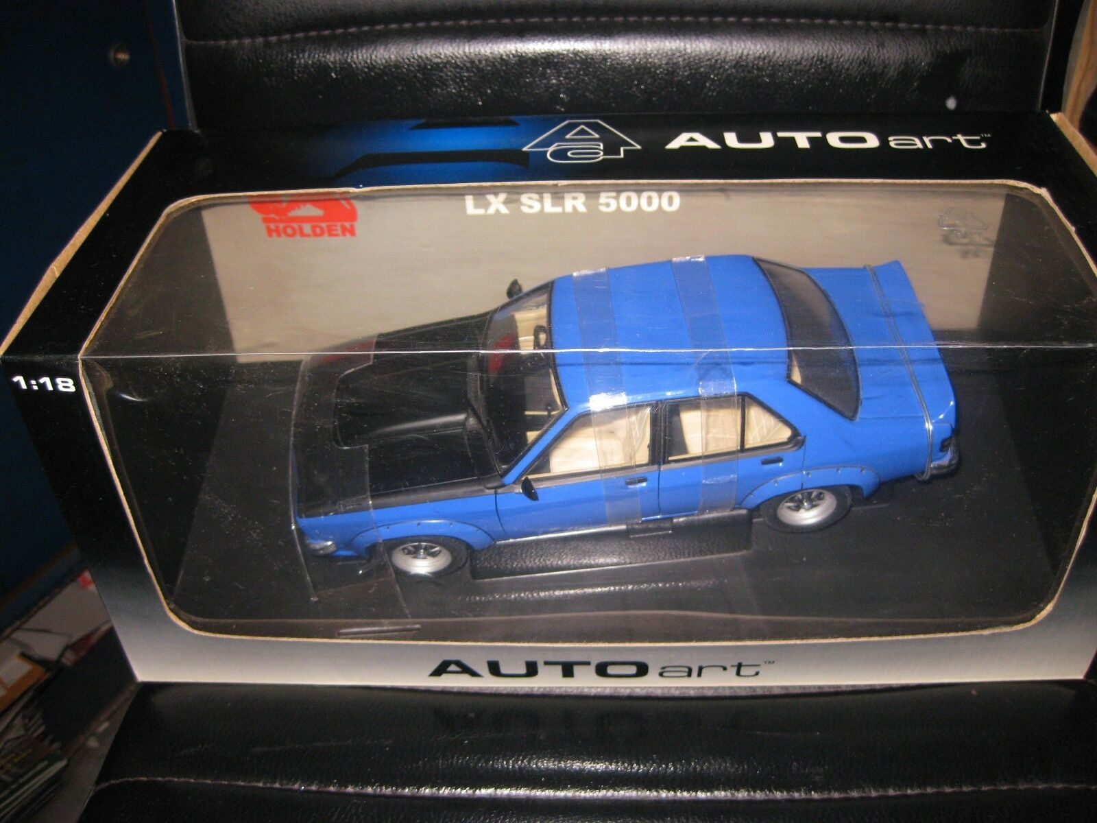 BIANTE AUTOart 1.18 HOLDEN LX SLR 5000 4dr ULTRA Azul  OLD SHOP STOCK  73461