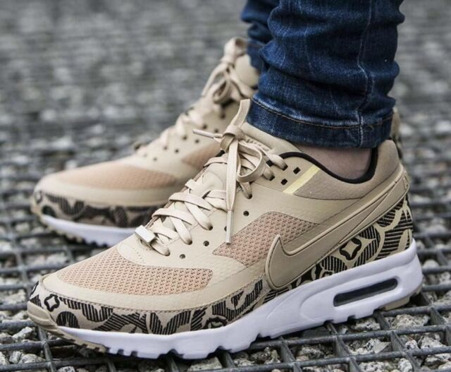 la moitié 4729c e8a5d Women's Nike Air Max BW Ultra LOTC QS London Linen Black Size 5.5 847076 200