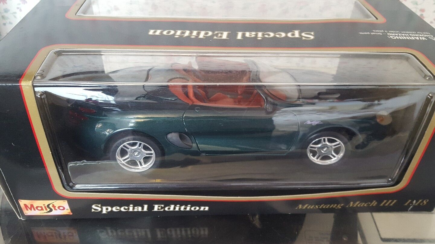 Diecast 1 18 greenMustang Mach 111 Congreenible  Perfect & Boxed