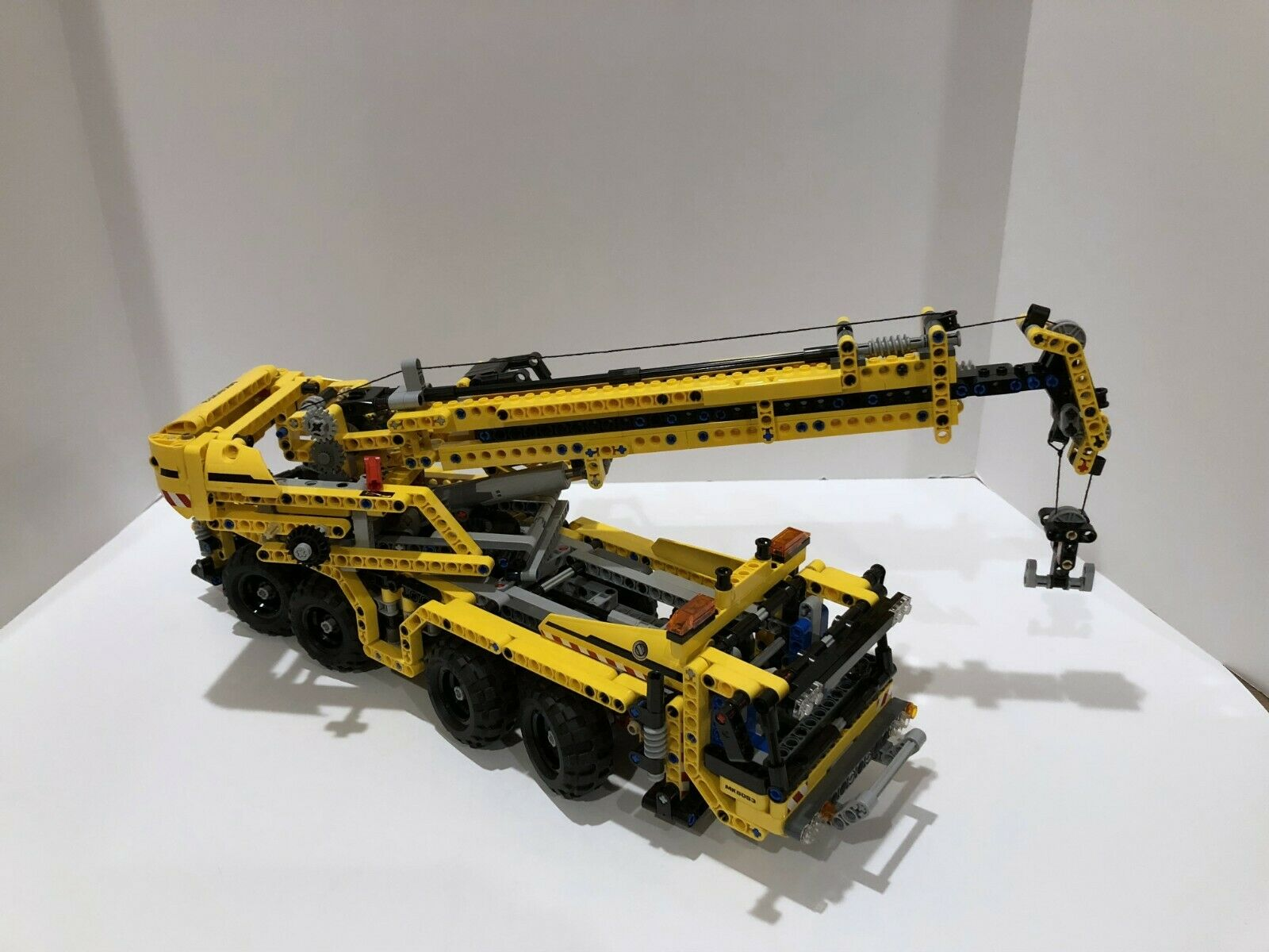 LEGO Technic  Model  Construction     Mobile Crane 8053 - Fully assembled. 632b54