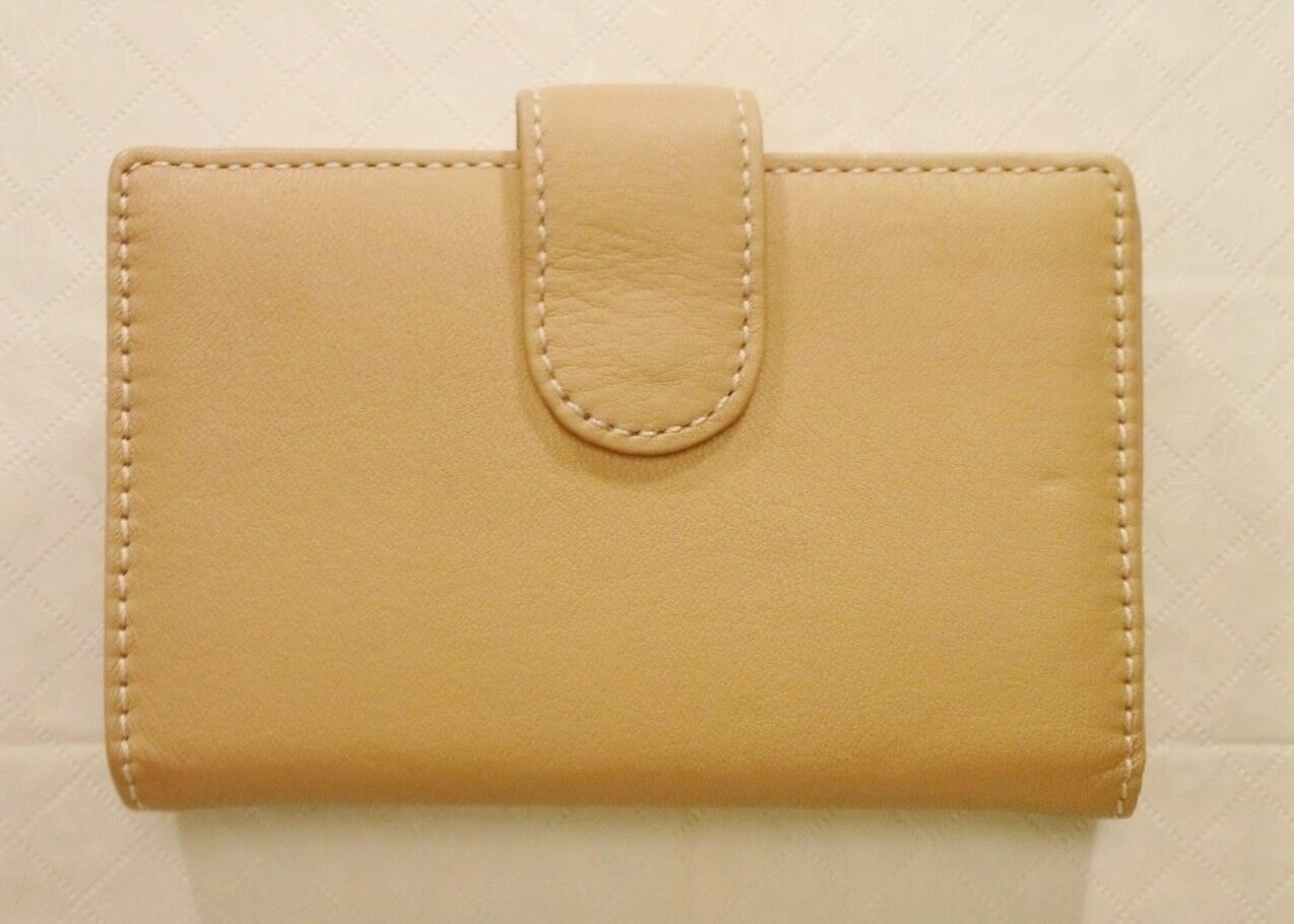 NEW Tan Genuine Leather Clutch Wallet.