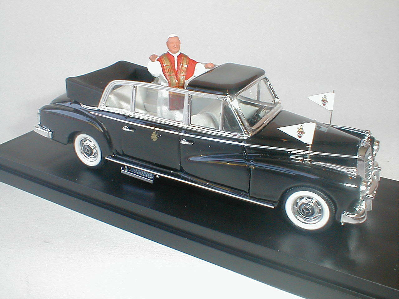RIO 1 43 MADE IN ITALY AUTO DIE CAST MERCEDES 300 D LIMOUSINE 1960  ART.4100 P