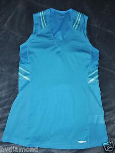 Reebok top shirt sports bra built in tank m max support for Shirts with built in sports bra