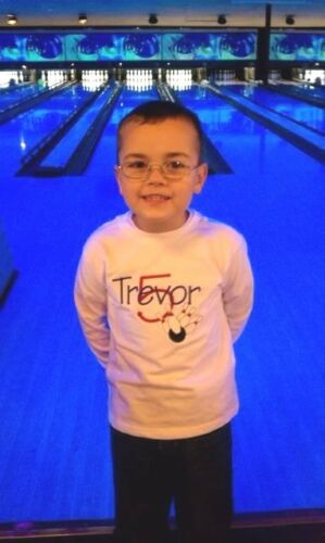 Personalized BOWLING /& Bowling Pins Name Number or Birthday T Shirt PARTY GIFT
