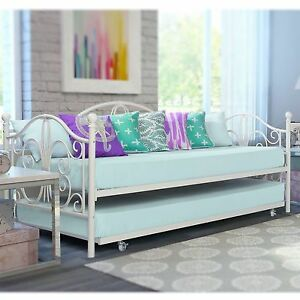 off white iron metal daybed frame set with trundle twin size bed bunk antique ebay. Black Bedroom Furniture Sets. Home Design Ideas