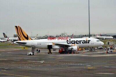 Apprehensive Photo Tigerair Airbus A320-200 Vh-vnb At The Charles Kingsford Smith Airport Sy