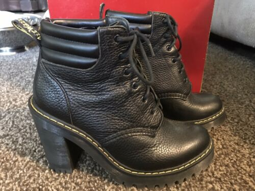 Dr Martens boots womens size 7