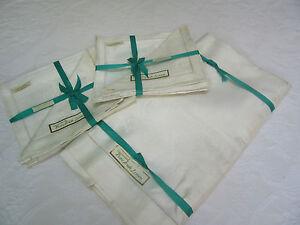 Vintage NEW Irish Linen Damask Tablecloth 60x90, Plus 8 Napkins 16 in.