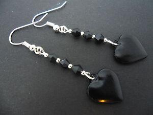 Un PAR PLATA TIBETANA Y NEGRO perla de cristal pendientes de Corazón Colgantes Nueva.