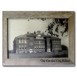 034-The-Old-Gas-City-School-034-Indiana-Postcard-V-21