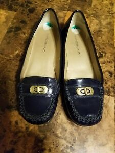 Bandolino-womens-Navy-Blue-Patent-Loafer-Shoe-Slip-on-Gold-Hardware-sz-8M-Vegan