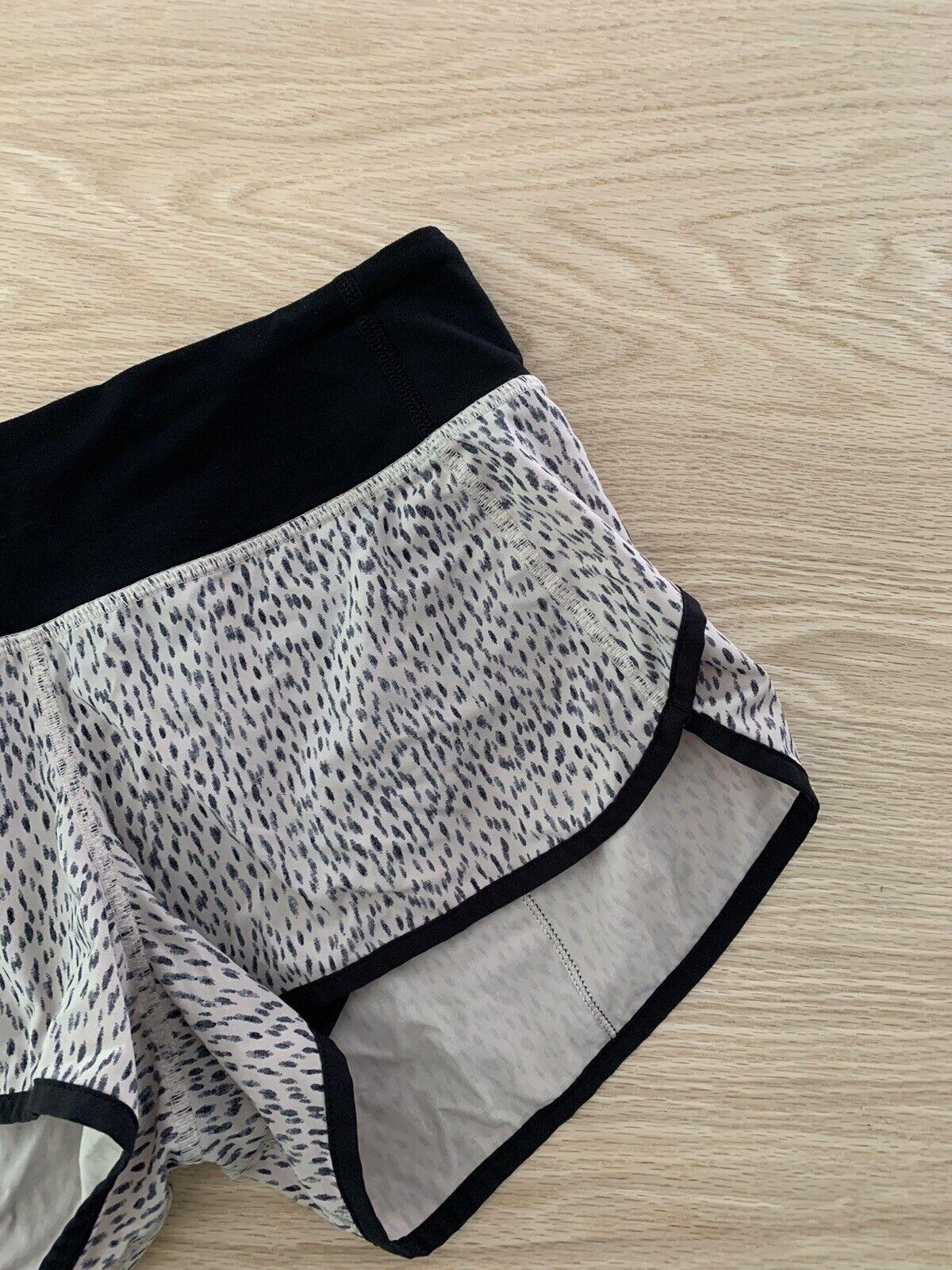 "Lululemon Speed Shorts Size 4 Reg 2.5"" Dottie Das… - image 2"