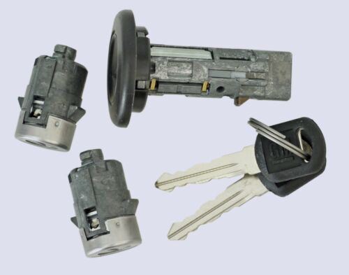 Chevy Silverado BASE//HD 2003-2006 Ignition with 2 door locks and 2 Keys-NEW