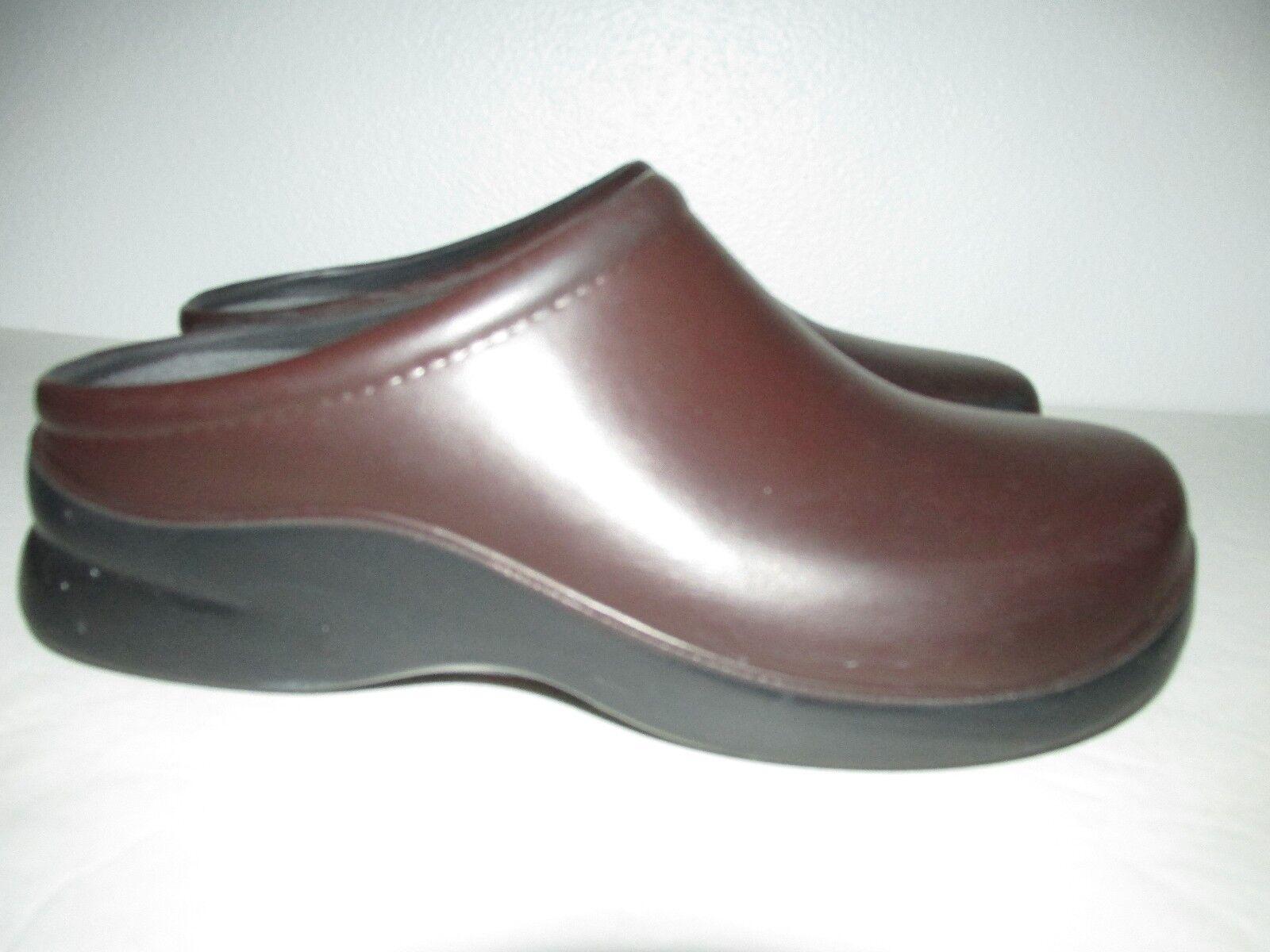 Klogs Womens Size 8W Brown Polyurethane Slip On Clogs