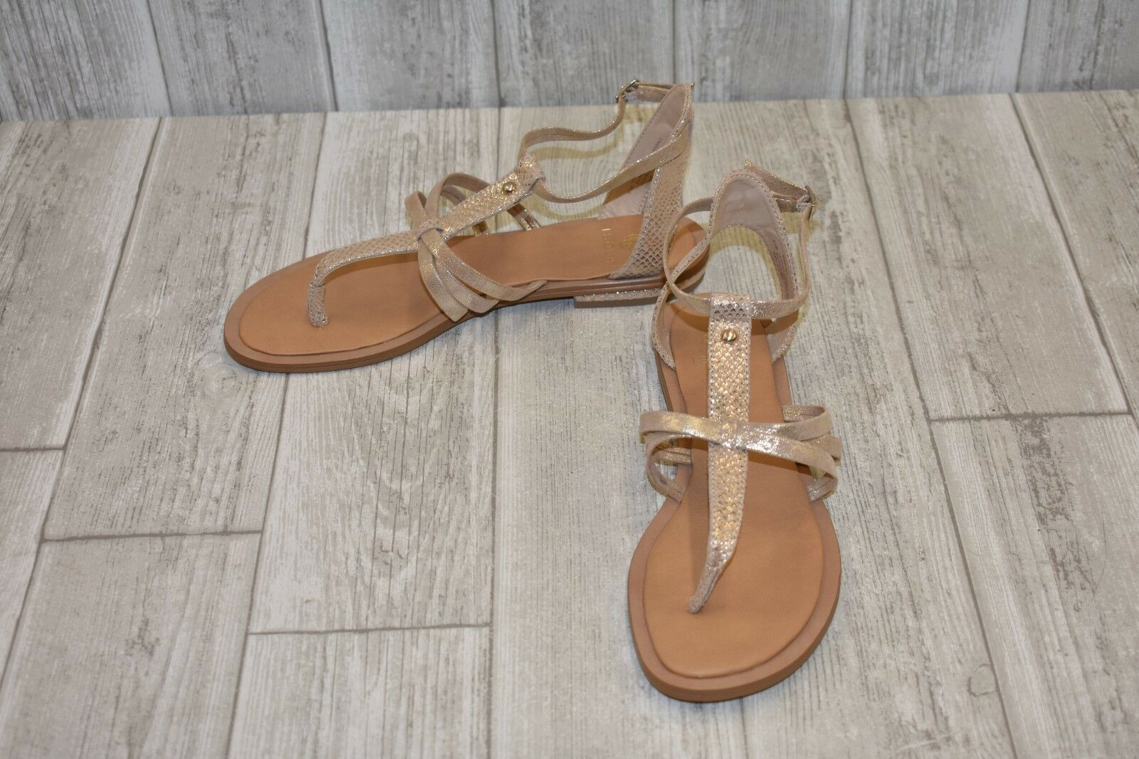 Isola Marcia Sandals-Women's size 8.5 M gold