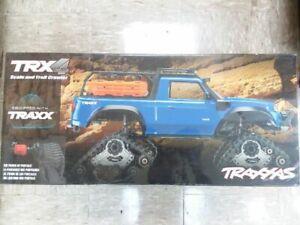 Traxxas-82034-4-TRX-4-Scale-Rock-Crawler-Blue-w-All-Terrain-Traxx-Free-Tires