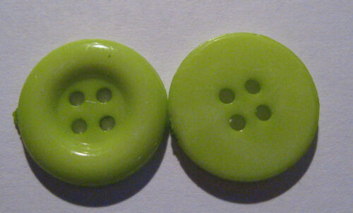 10 x Medium Size GREEN 4-Hole Plastic Buttons 17mm Wide B67