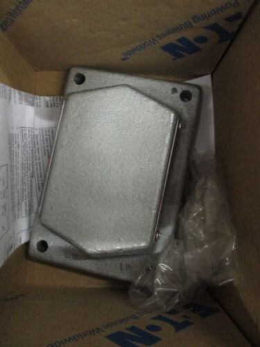 NEW EXPLOSION PROOF BLANK COVER CROUSE HINDS//EATON DSD957