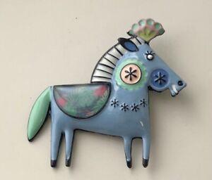 Adorable-artistic-Horse-Brooch-Pin-in-enamel-on-Metal