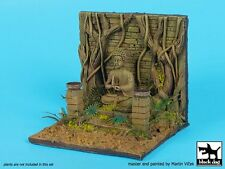Black Dog 1/35 Buddhist Shrine Section with Buddha Statue Base (10x9 cm) D35082