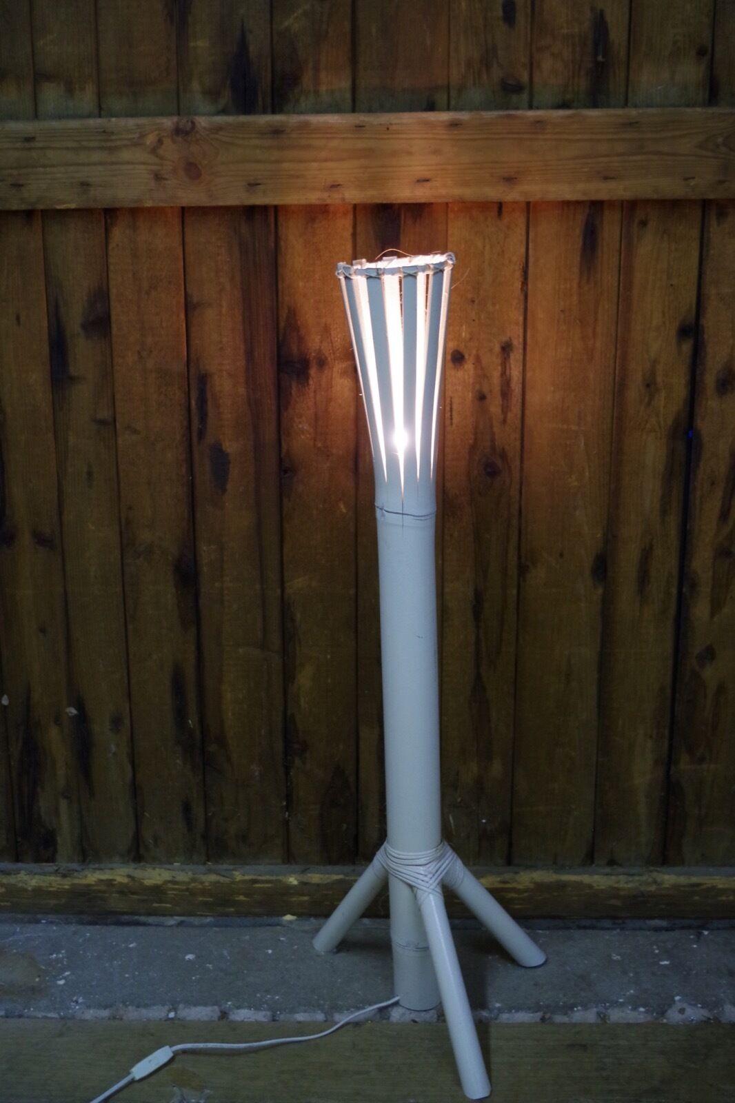 Steh Lampe Bali Leuchte 3 Bein Bambus Vintage Weiß 100cm Handarbeit