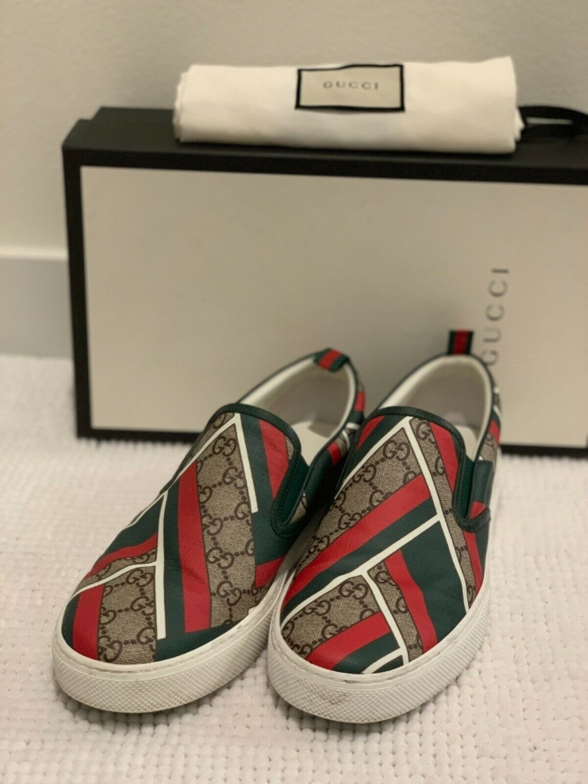 G Low Tops - Logo_Print - Red & Green