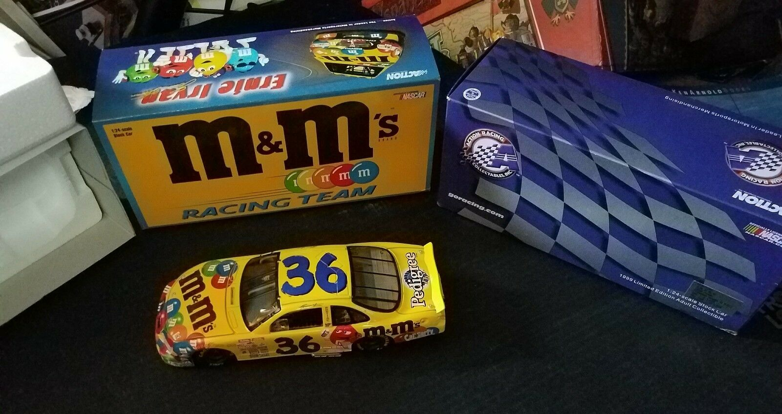 Édition Limitée ERNIE IRVAN  36 m&m 's Racing Team 1 24 Scale Die Cast Racing hard to find