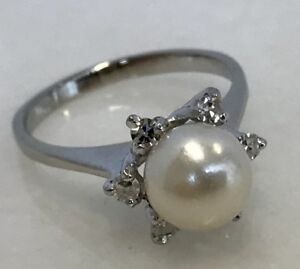 Stunning-14k-White-Gold-Pearl-and-Diamond-Ring