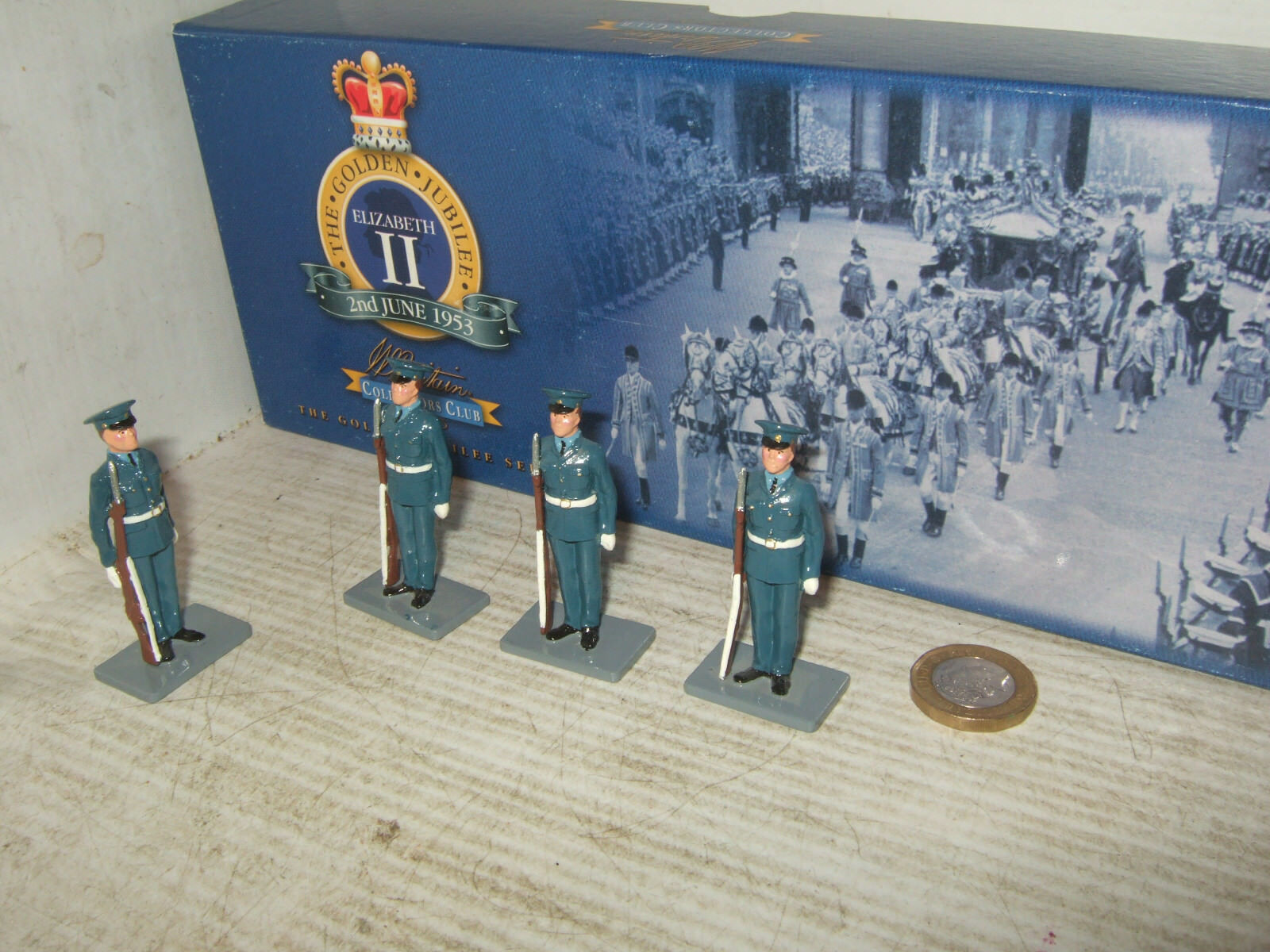 Britains 40280 gold Jubilee Series, The Royal Airforce, x4 Soldiers at Attention