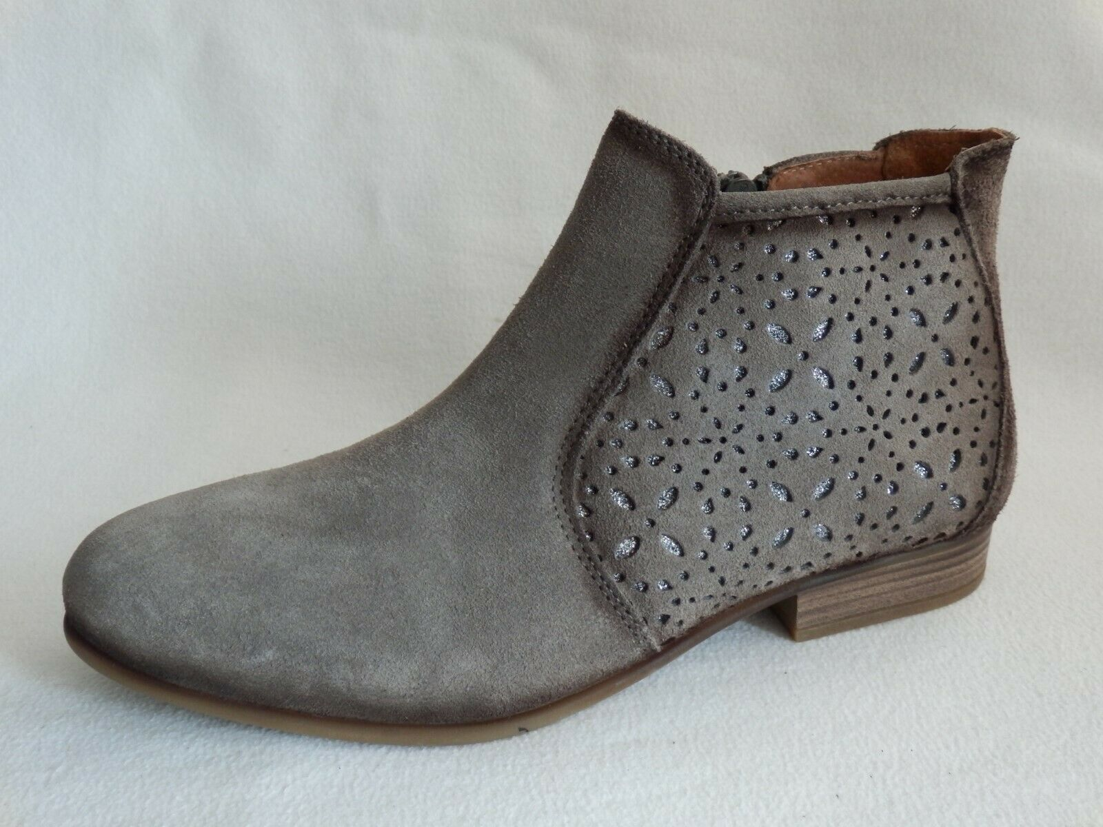 Corkies botín gris talla 41 nuevo