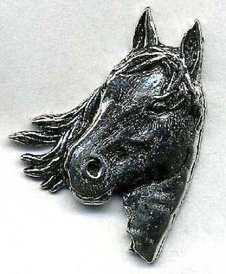 edle Anstecknadel Pin Button Metall 3 x 2 cm • Pferdekopf • PFERD • 02574 •
