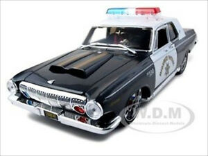 1963-DODGE-330-HIGHWAY-PATROL-POLICE-CAR-1-18-DIECAST-MODEL-BY-MAISTO-31345