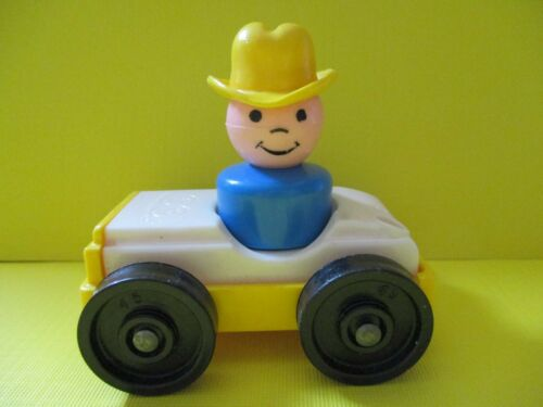 930 GARAGE Fisher Price  LP VINTAGE   BLUE BOY  YELLOW COWBOY HAT  /& YELLOW CAR