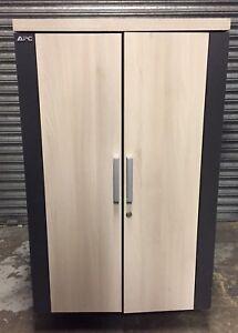 APC-Netshelter-CX-24U-Soundproof-Acoustic-Server-Rack-Cabinet-AR4024IA