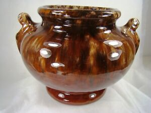 MINT-AND-GORGEOUS-Brush-McCoy-Pottery-Brown-Onyx-DRIP-Handled-Urn-Vase-Bowl