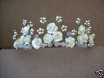 NUOVO BELLISSIMO Colore avorio Perle avorio con rose DIADEMA
