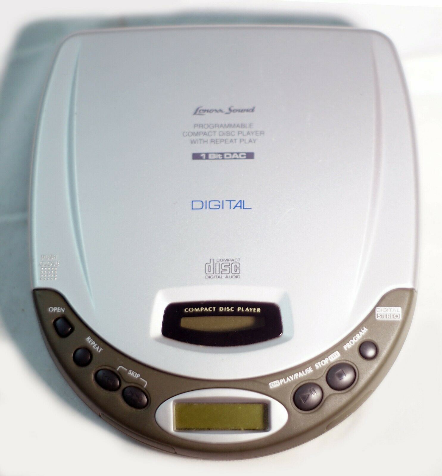 Lenoxx Sound CD-50 Portable CD Player. - For Parts or not working