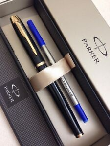 PARKER-IM-BLACK-LACQUER-GOLD-TRIM-ROLLERBALL-PEN-FRANCE-BLUE-INK-GIFT-BOX-NOS