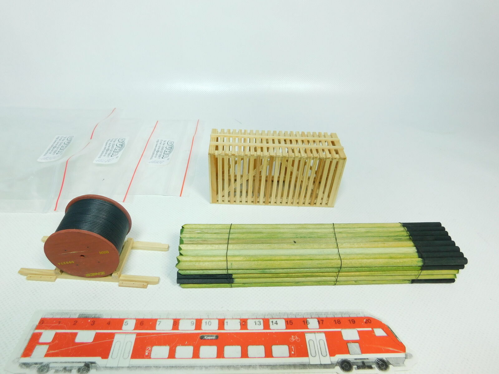 Br329-0, 5 x 0 scale duha load  18280+18300 Holz-stämme + 18309, new +