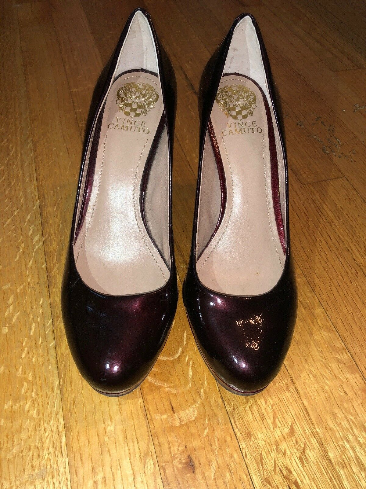 Vince Camuto damen Größe 8.5 8.5 8.5 Sarika Burgundy Patent Leather Platform Pumps  118 ff6c40