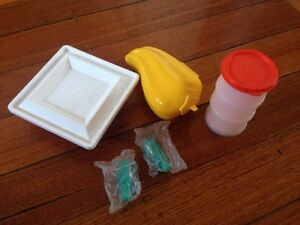 Assorted-Tupperware-5-Pieces-Pepper-Magic-Towers-Mold-Keychain