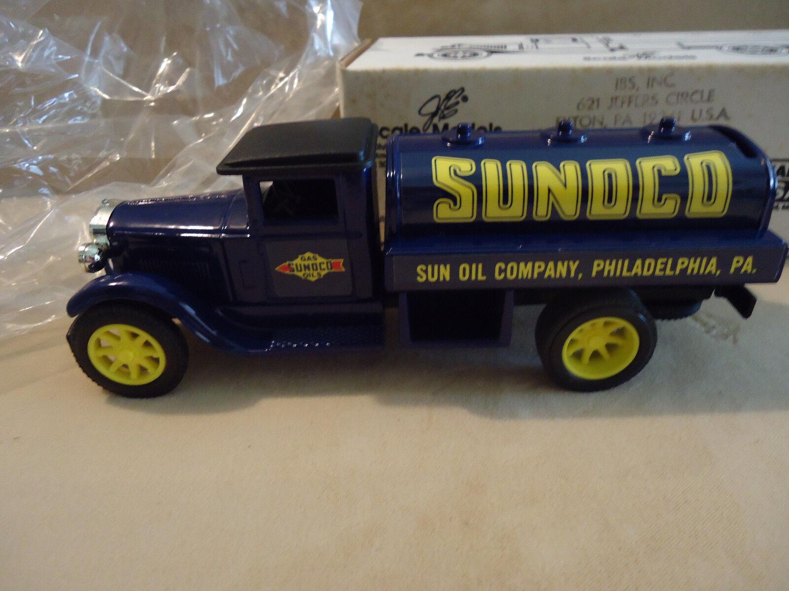 SUNOCO GAS OIL  1 PREMIER EDITION Scale Model -JLE 1931 INT'L TANKER  GB-4070