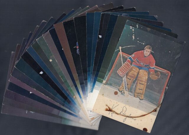 1970'S MONTREAL CANADIENS POST CARD LOT OF 31