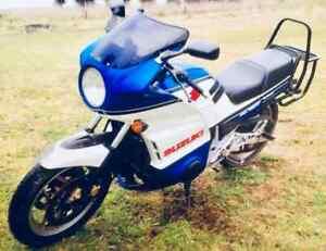 SUZUKI-GSX1100-1984-CLASSIC